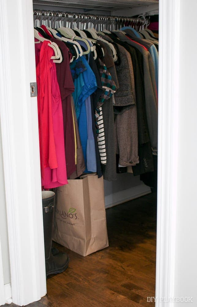 closet-clothing-organized
