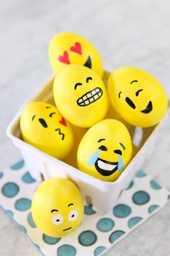 DIY_Emoji_Easter_eggs-15