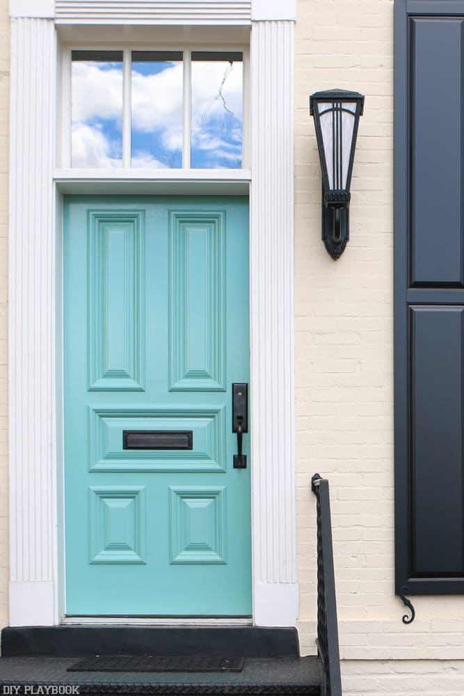 Beautiful teal door in Georgetown.