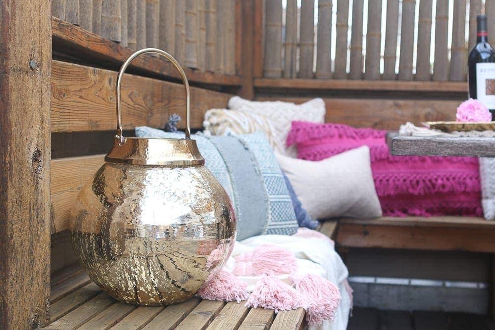 Moroccan_Table-pillows-gold-lantern