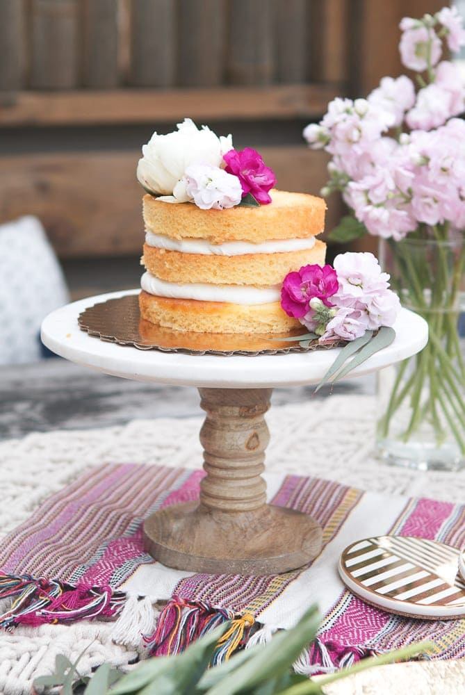 How to Dress up a Store-Bought Cake thumbnail