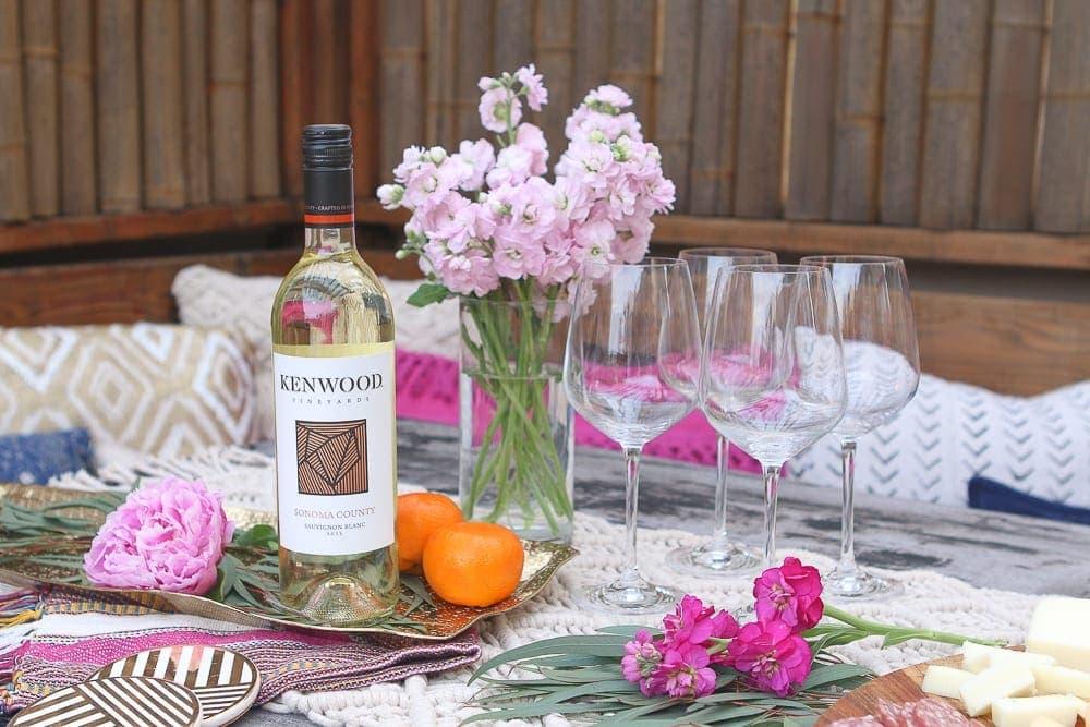 White_Wine_Kenwood_Vineyards_Table