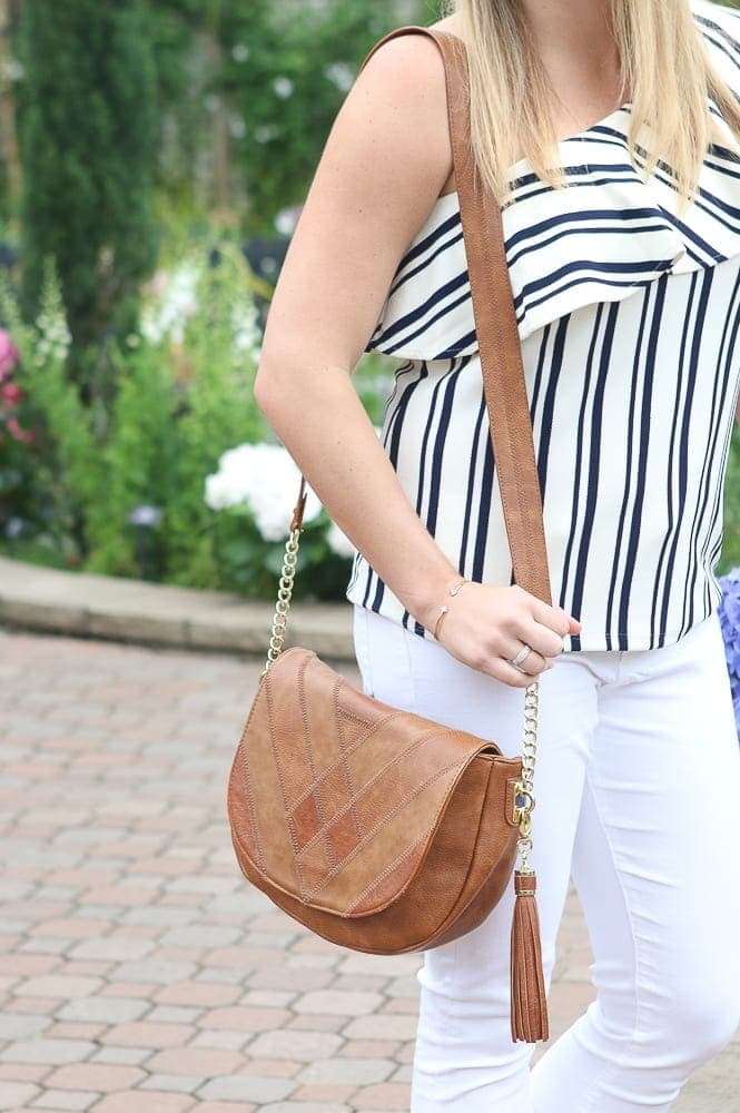 casey-purse-white-jeans