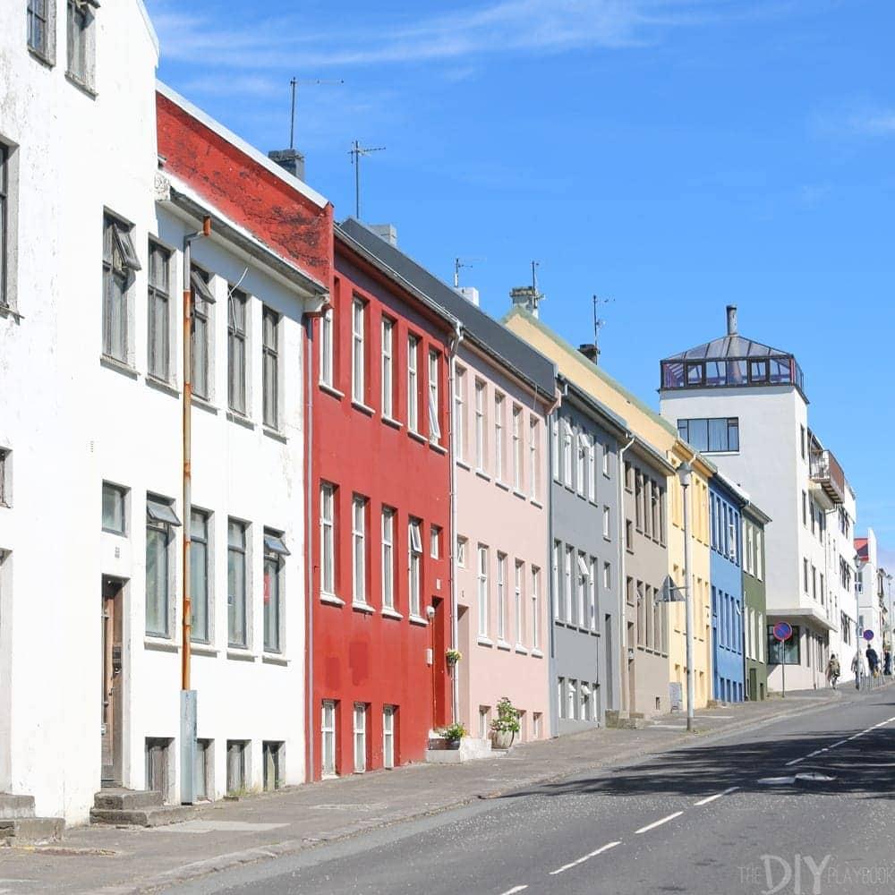 Travel_Iceland-colorful-reykjavik