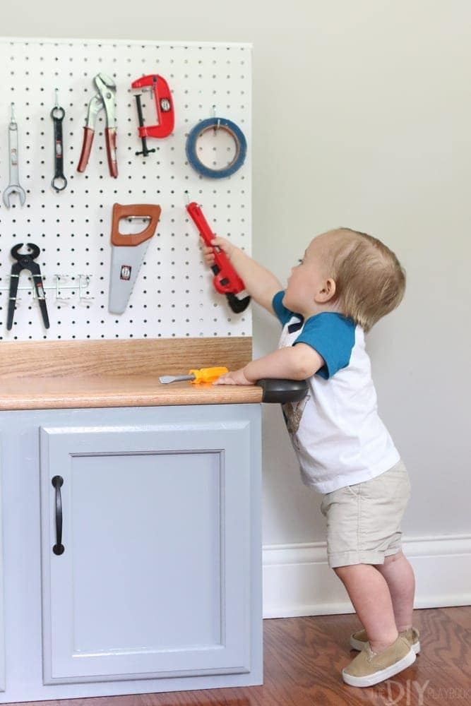 DIY_Kids_Workbench_with_play_tools-19