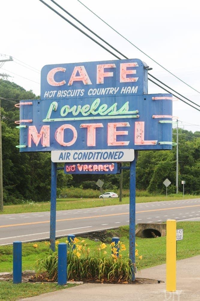 Travel_Nashville-cafe-loveless