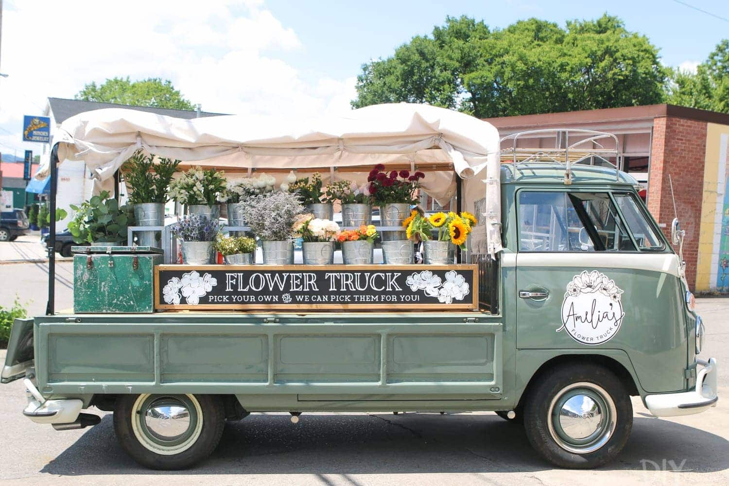 Travel_Nashville-flower-truck