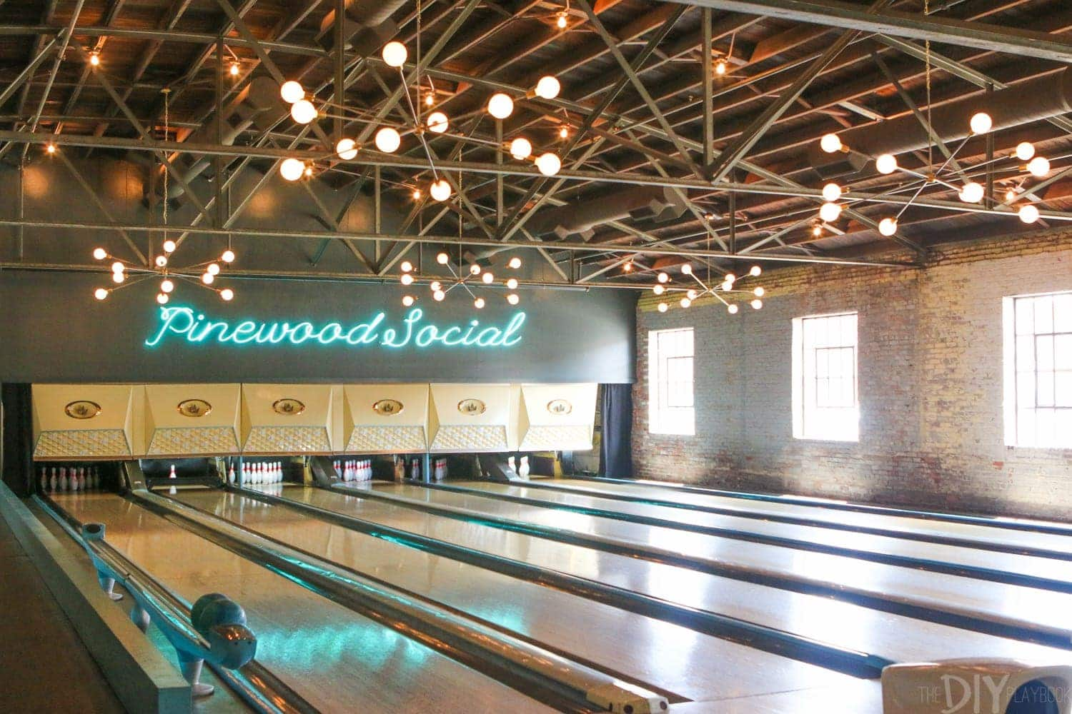 Travel_Nashville_pinewood_social_bowling