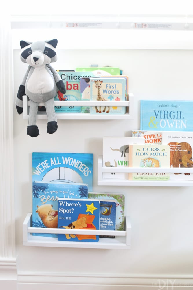 Decorate with books: Gender Neutral Nursery Reveal | DIY Playbook