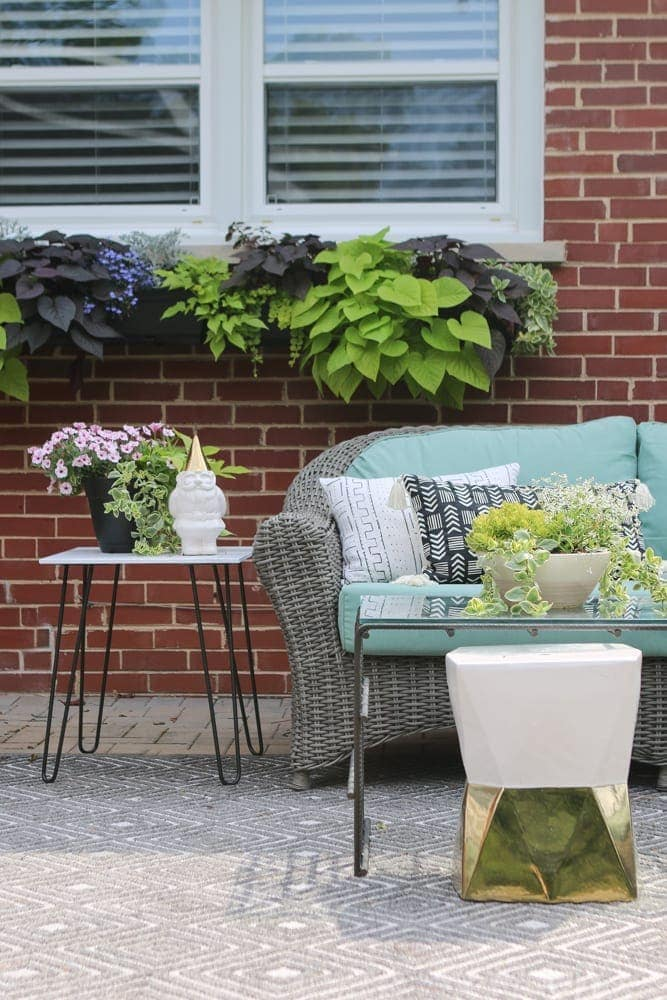 Outdoor_Patio_Furniture_Plants-2