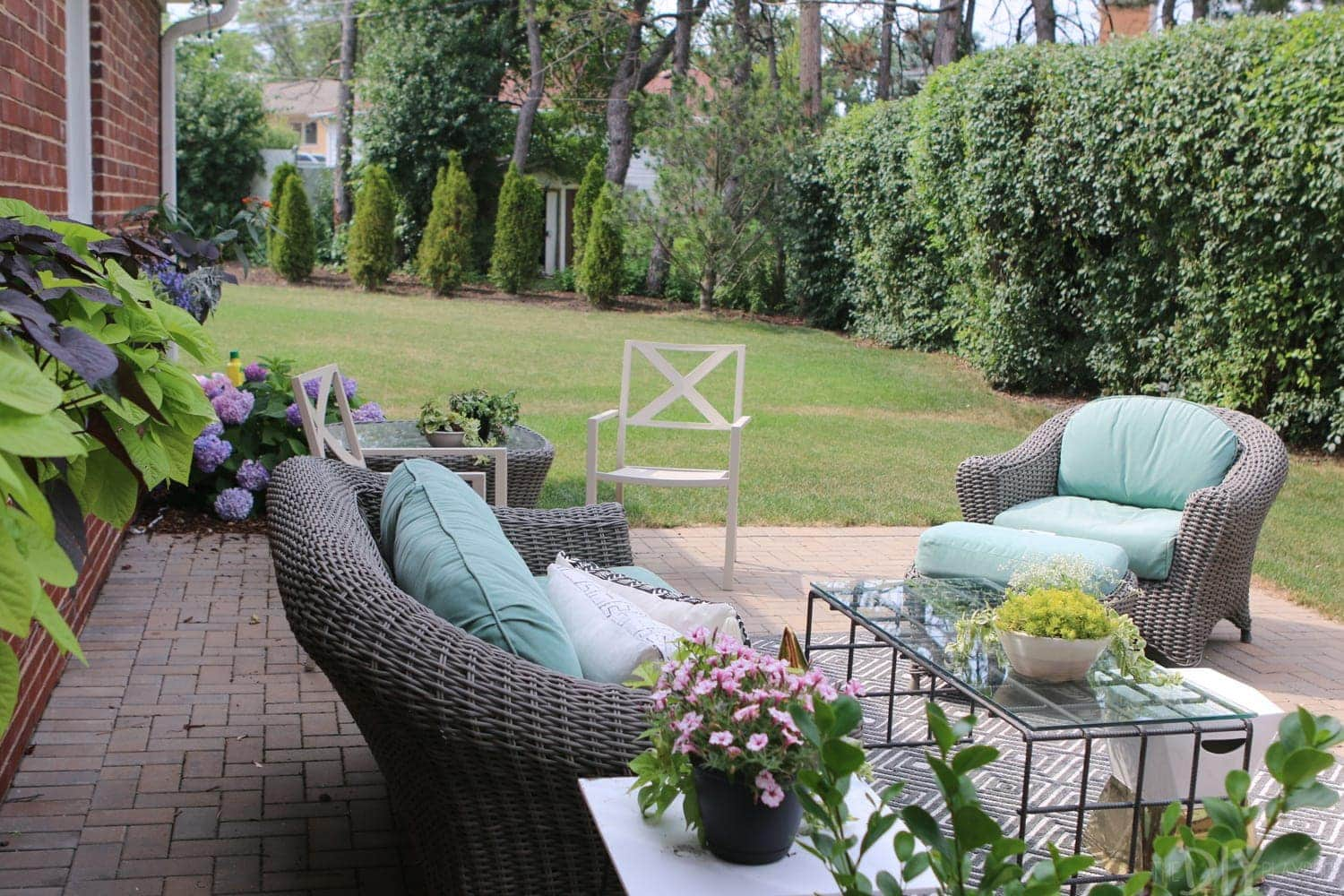 Outdoor_Patio_Furniture_Plants-4