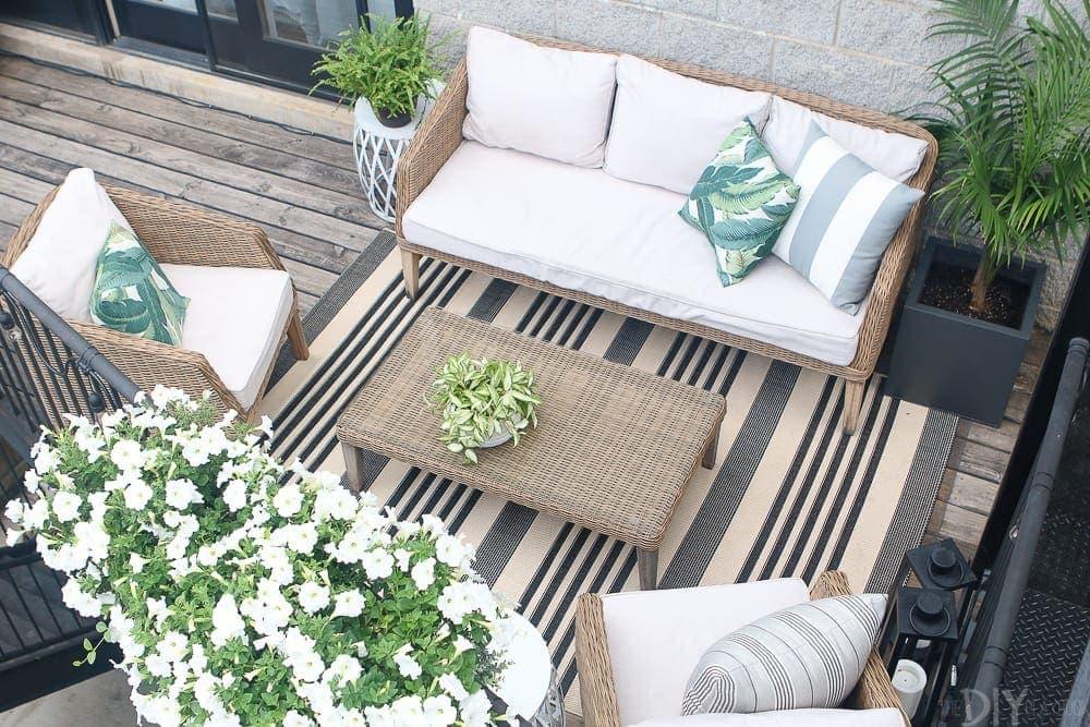 flowers-planter-balcony