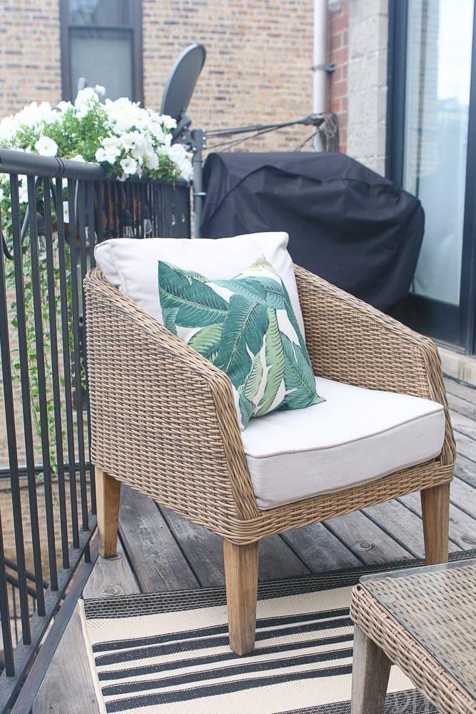 An Easy Way To Waterproof Patio Furniture The Diy Playbook