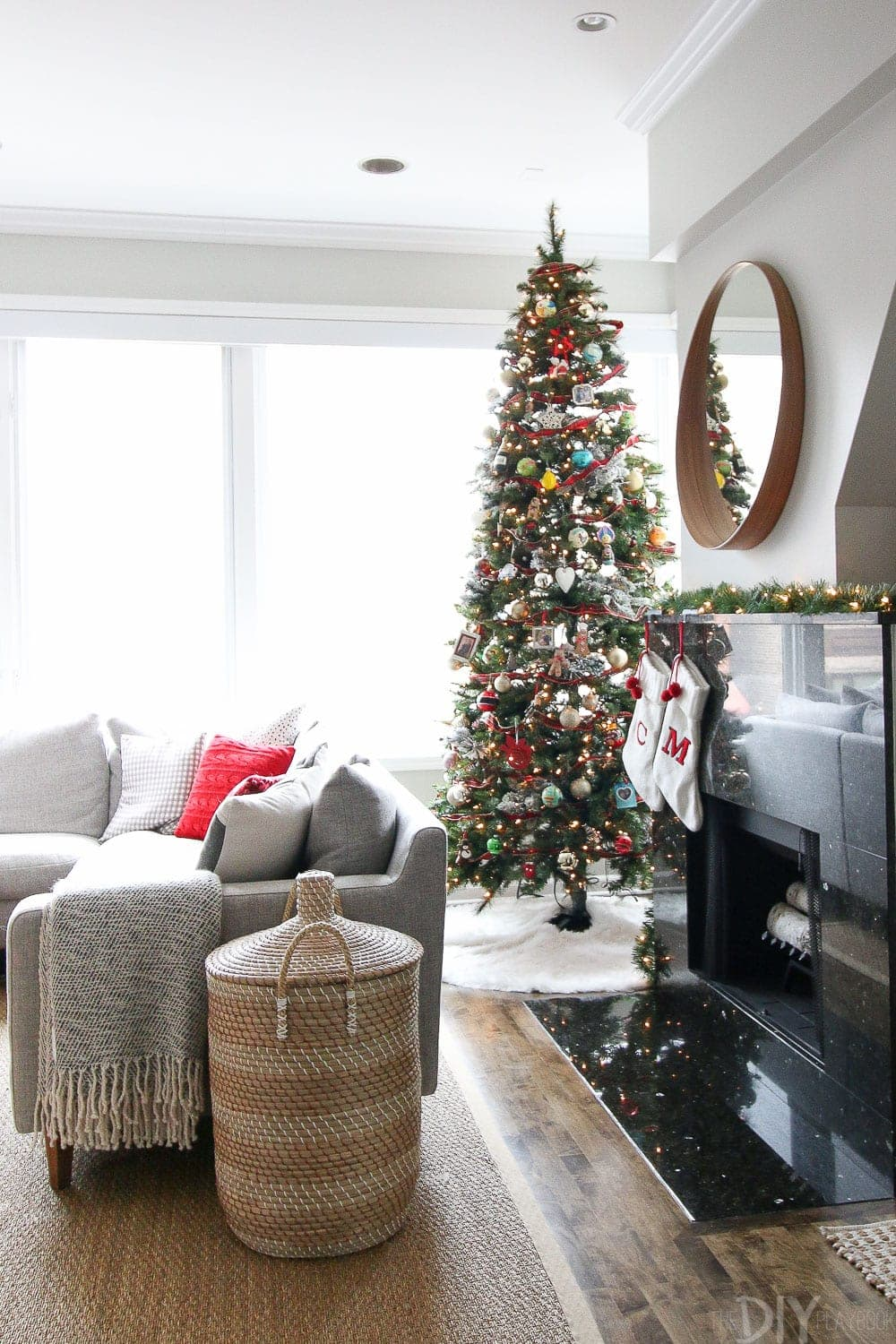 Casey 39 S Holiday Home Tour Decorated For The Christmas Season