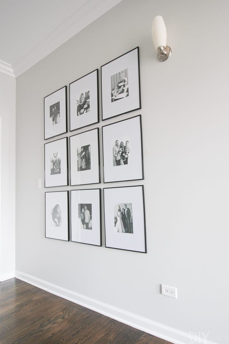 How to hang a group of symmetrical photo frames in your hallway