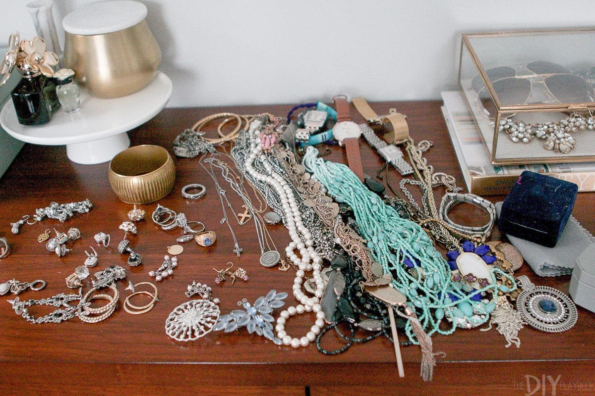 How to purge jewelry and keep your favorite pieces.