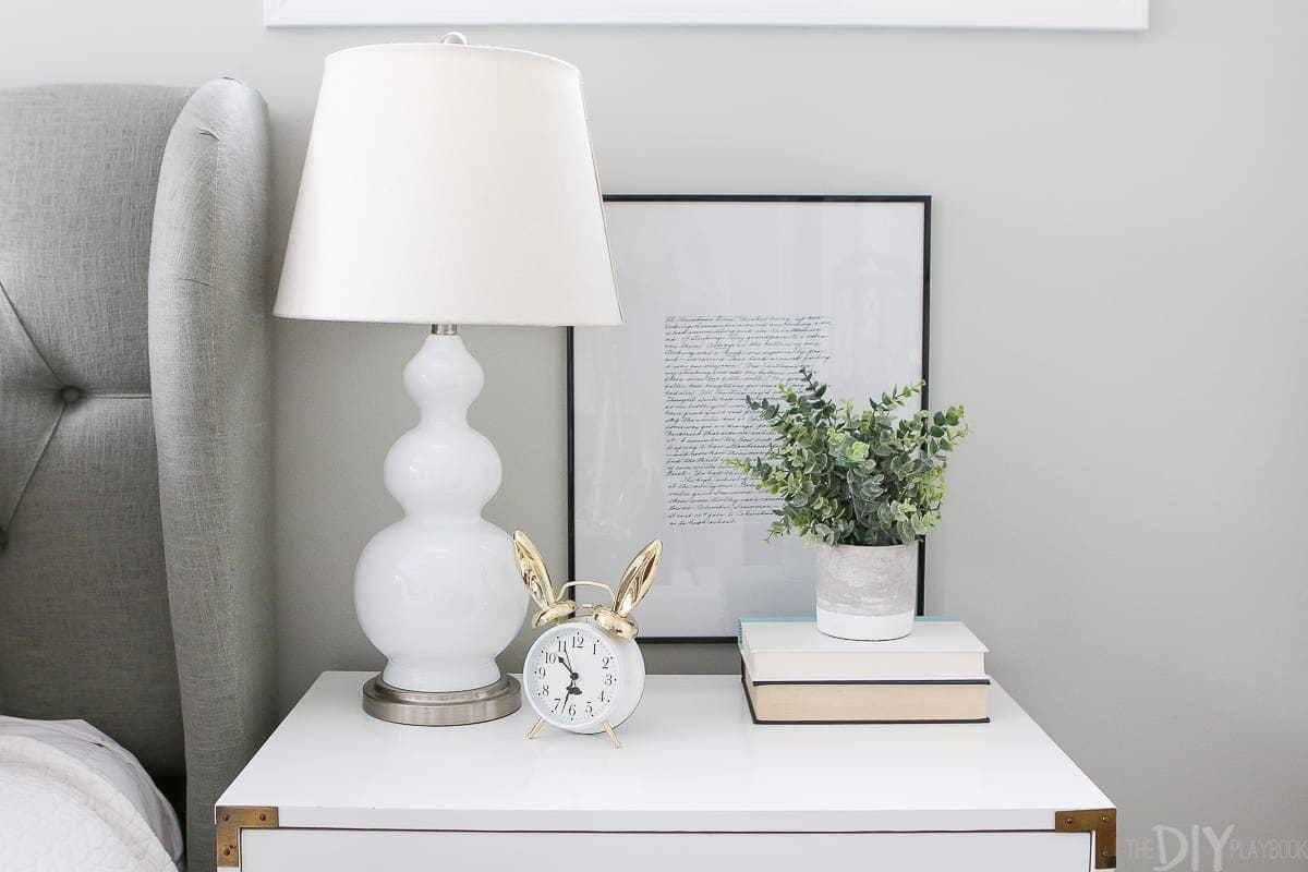 Adding Simple Touches of Easter Decor to your Home | The DIY