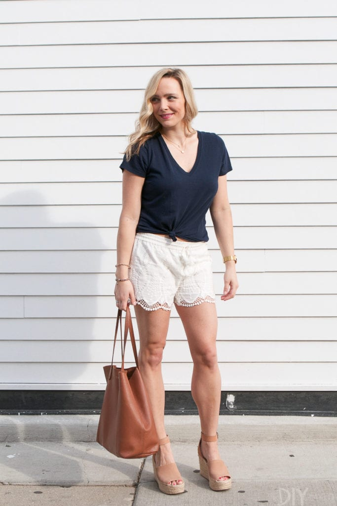 White, navy, and tan are the perfect summer color combination for your wardrobe