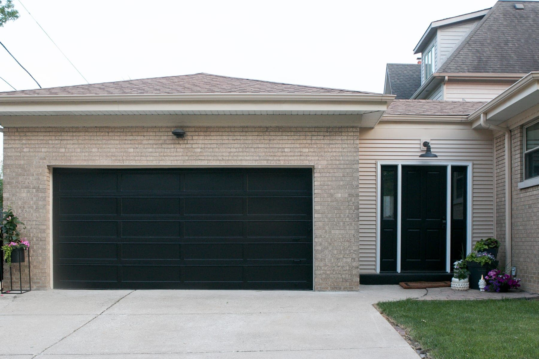 Step By Step Tutorial How To Paint A Garage Door The Diy Playbook