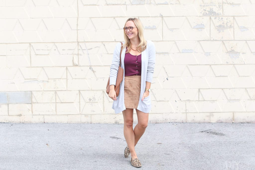 Casual look to wear a suede skirt