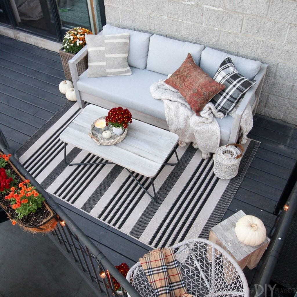 Transitioning a balcony for the fall season