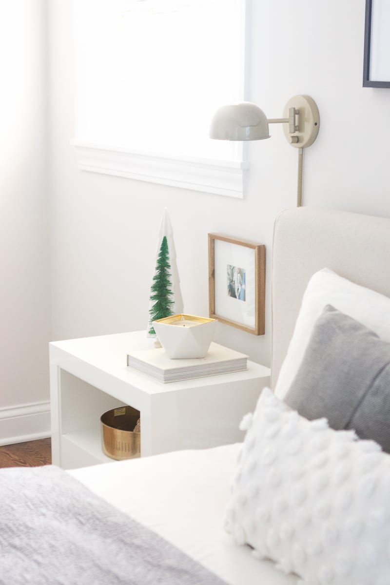 small touches in the bedroom can make a big difference for the holidays