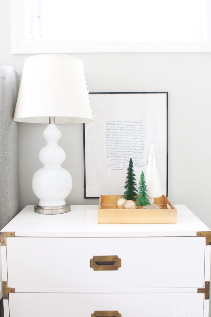 How to decorate bedroom nightstands for Christmas