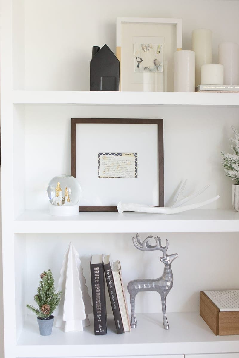 simple holiday shelf decor