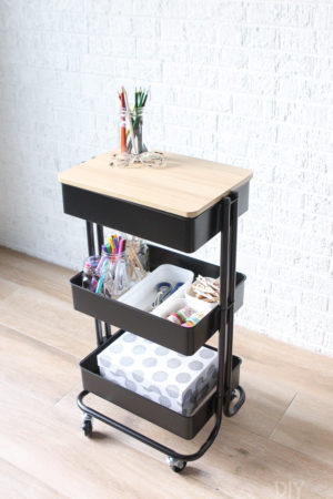 Craft station using a rolling cart