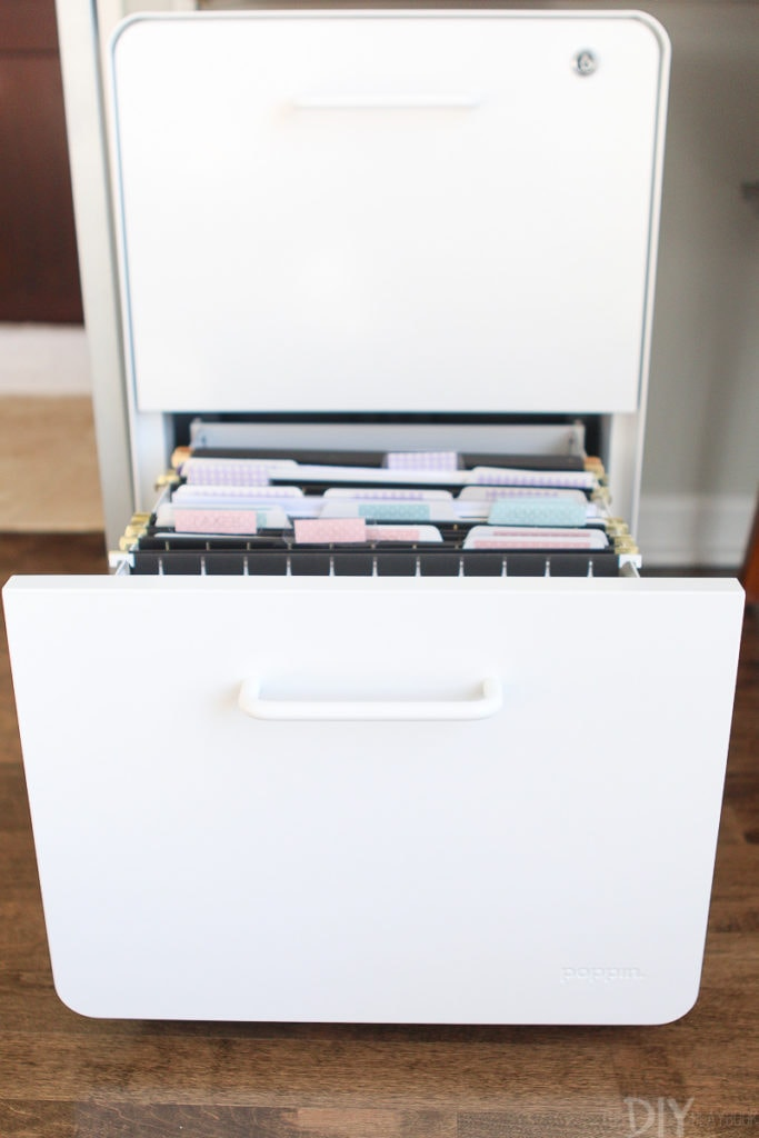 How to keep a file cabinet organized