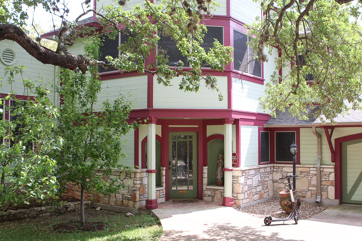 large airbnb in Austin Texas