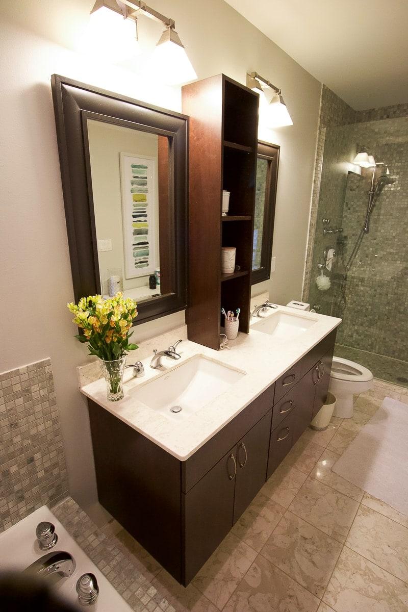 Builder-basic vanity
