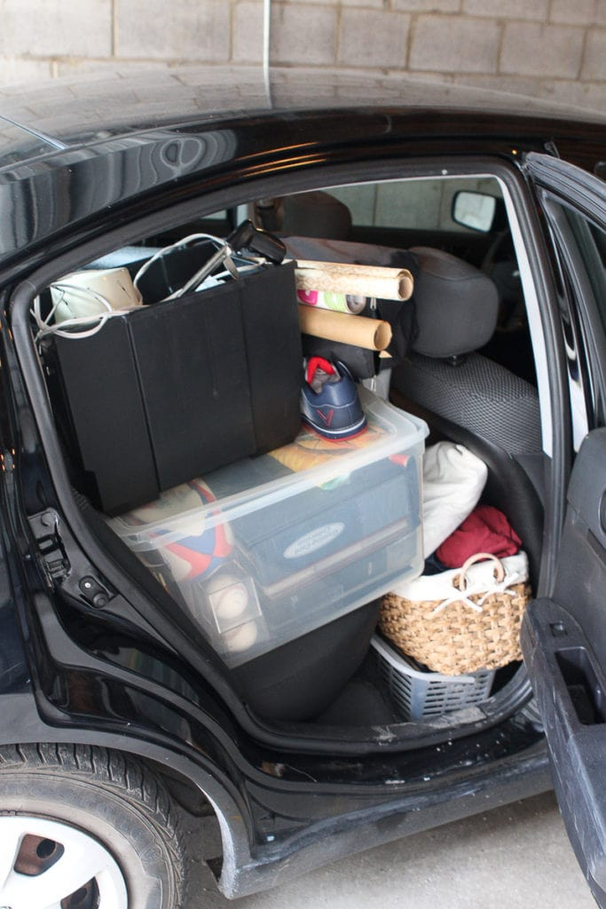Pack up the car with miscellaneous items