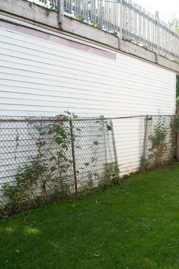 Fencing falling down