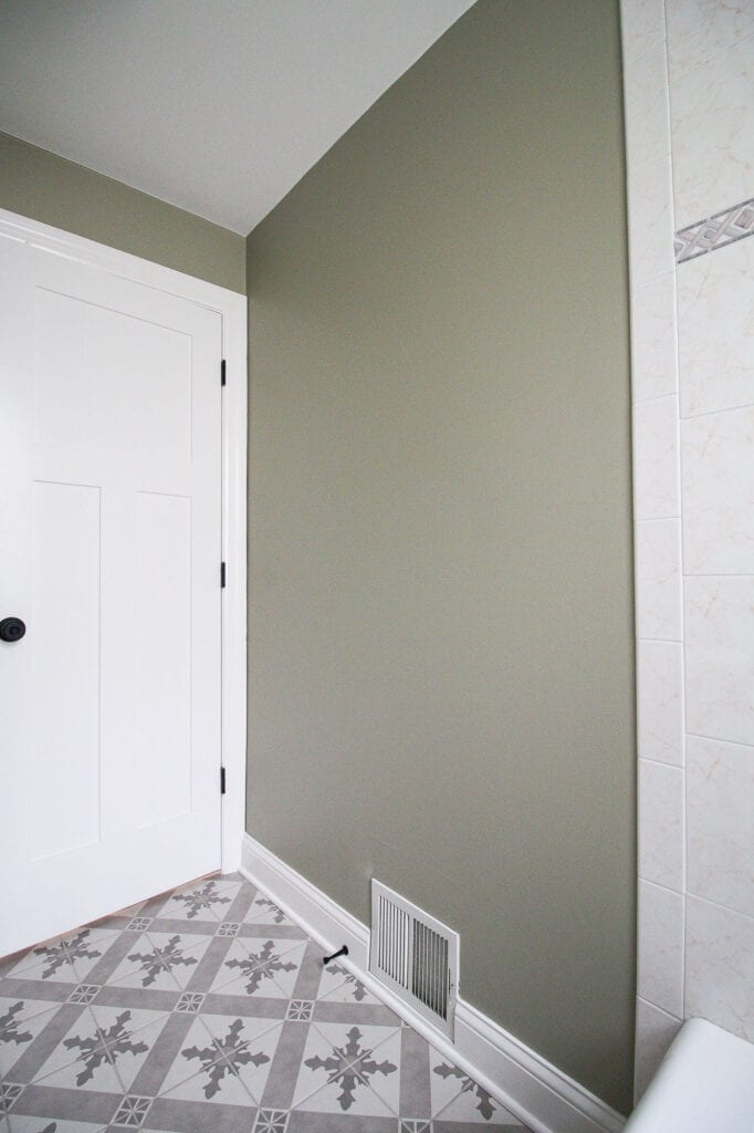 DIY tutorial to add wall molding to a blank wall