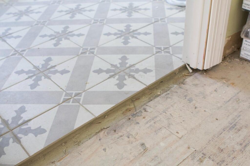 New patterned floor tile