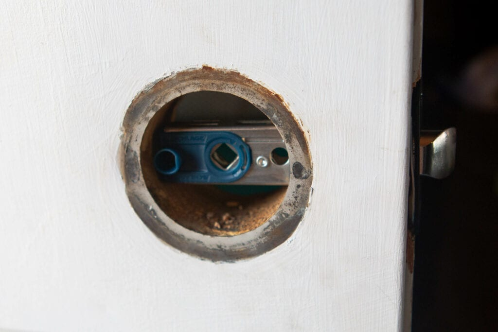 Installing a latch for the knobs