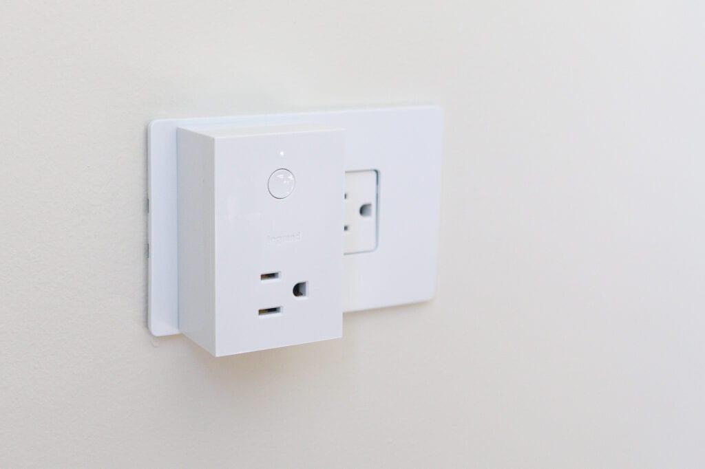 smart plug-in unit