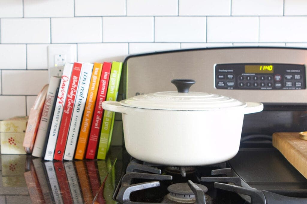 Le creuset white pot