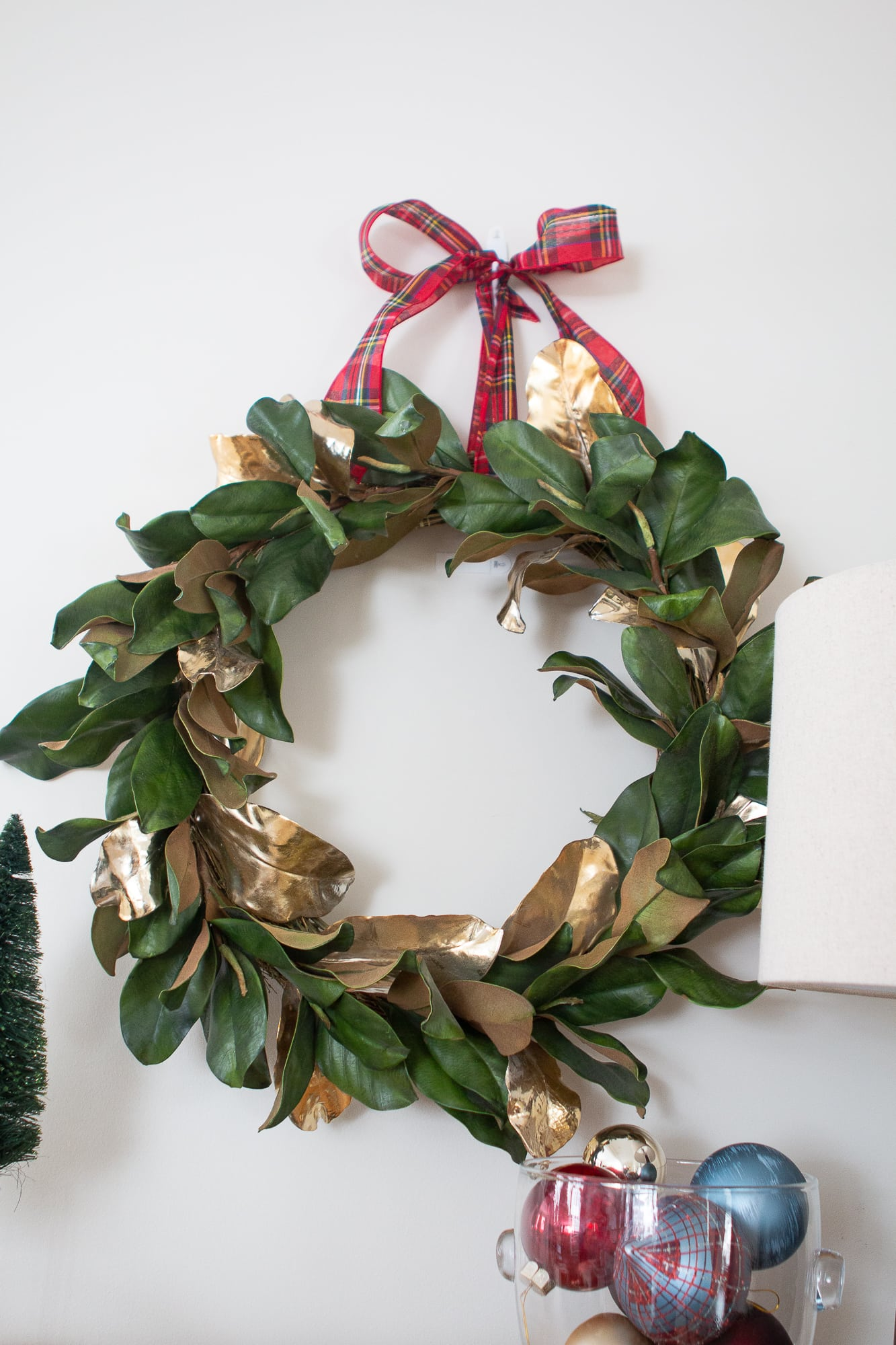 Display a wreath over your console in your holiday entry