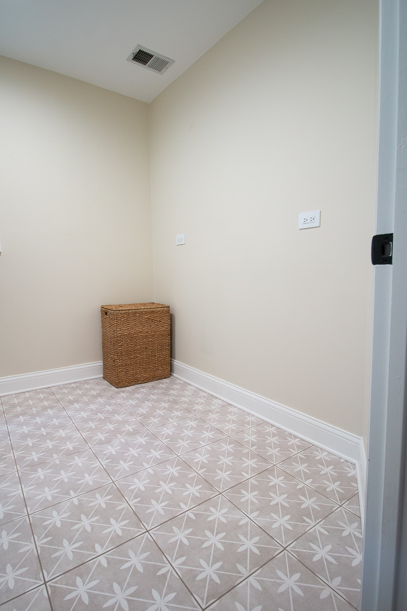 Right side of the laundry room