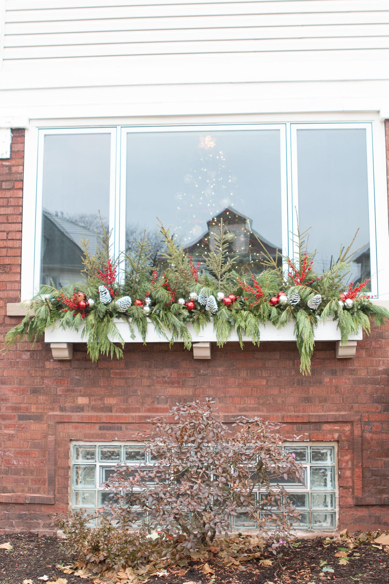 Holiday window box idea