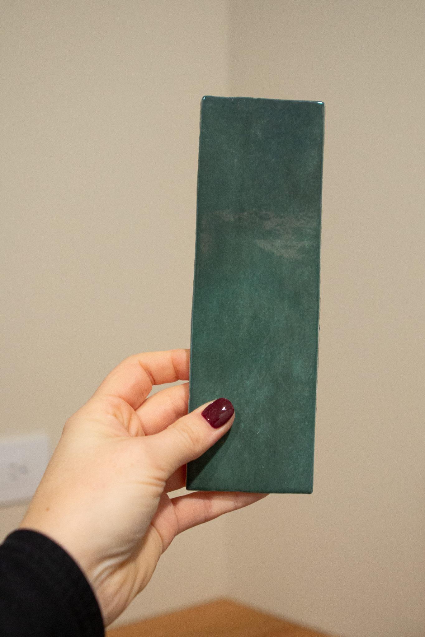 Cloe green tile