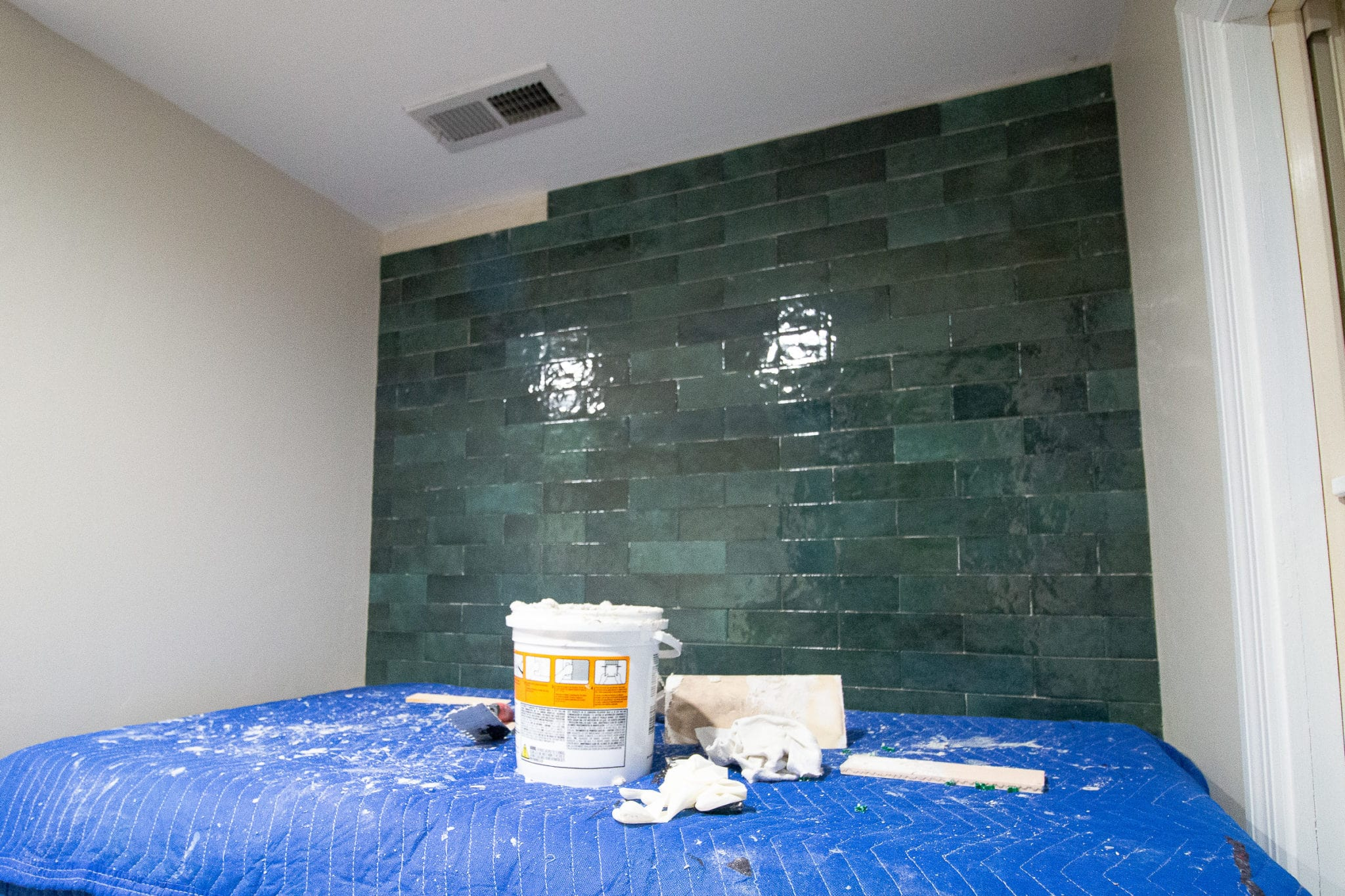 Using green tile in a laundry room