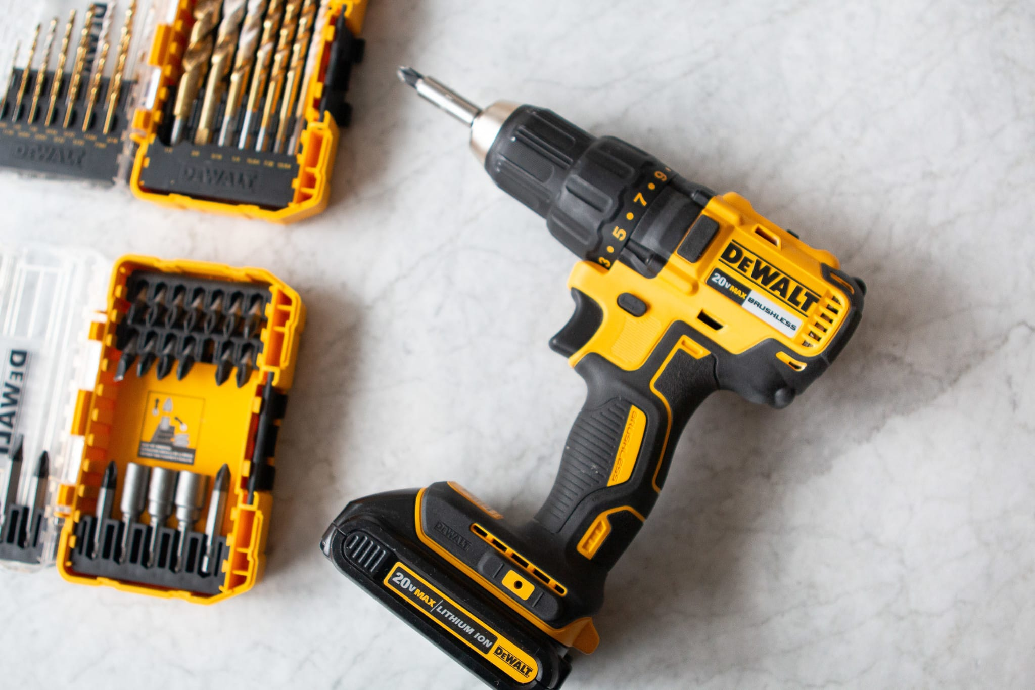 Power drill and bit set