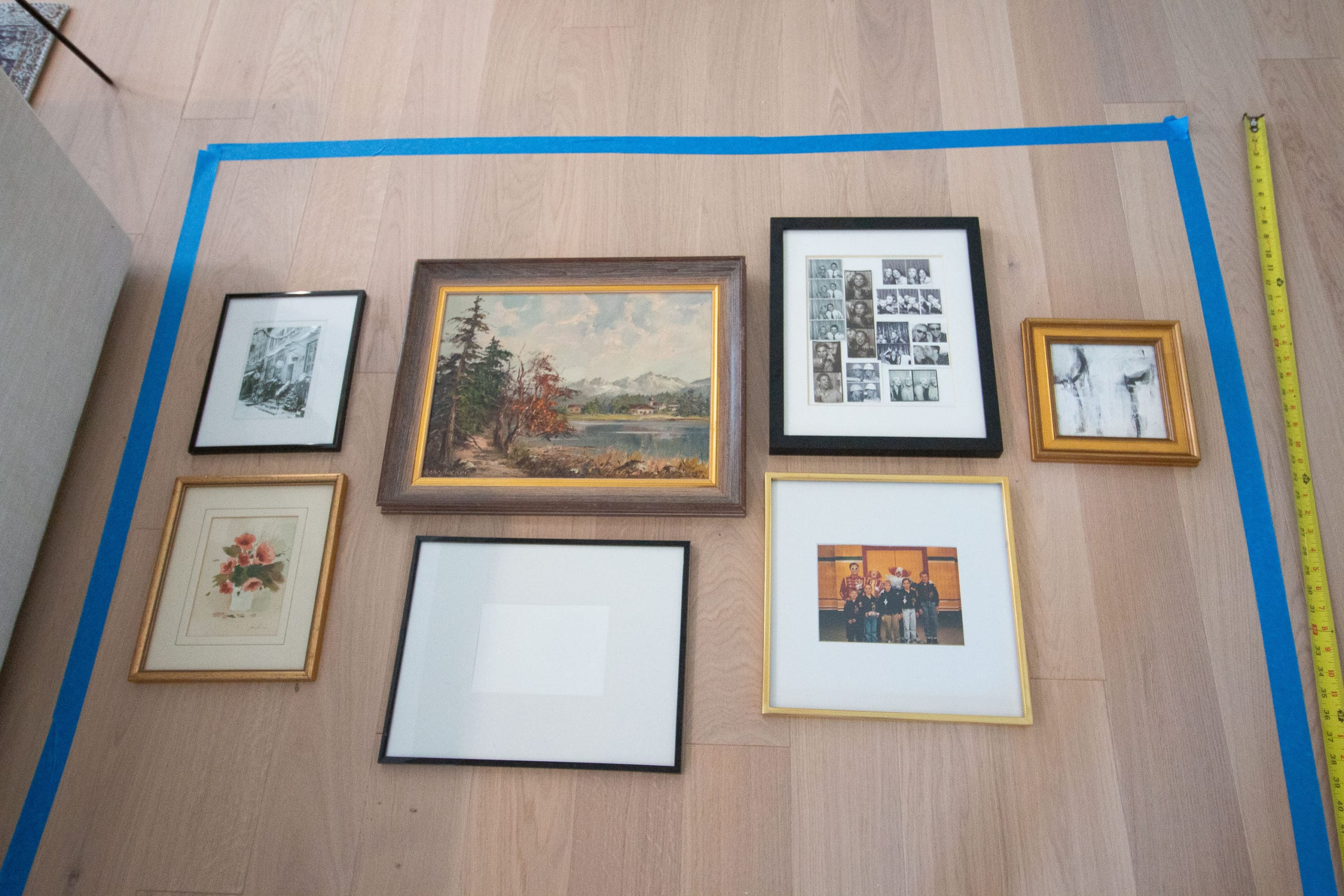 Tips for hanging a living room gallery wall