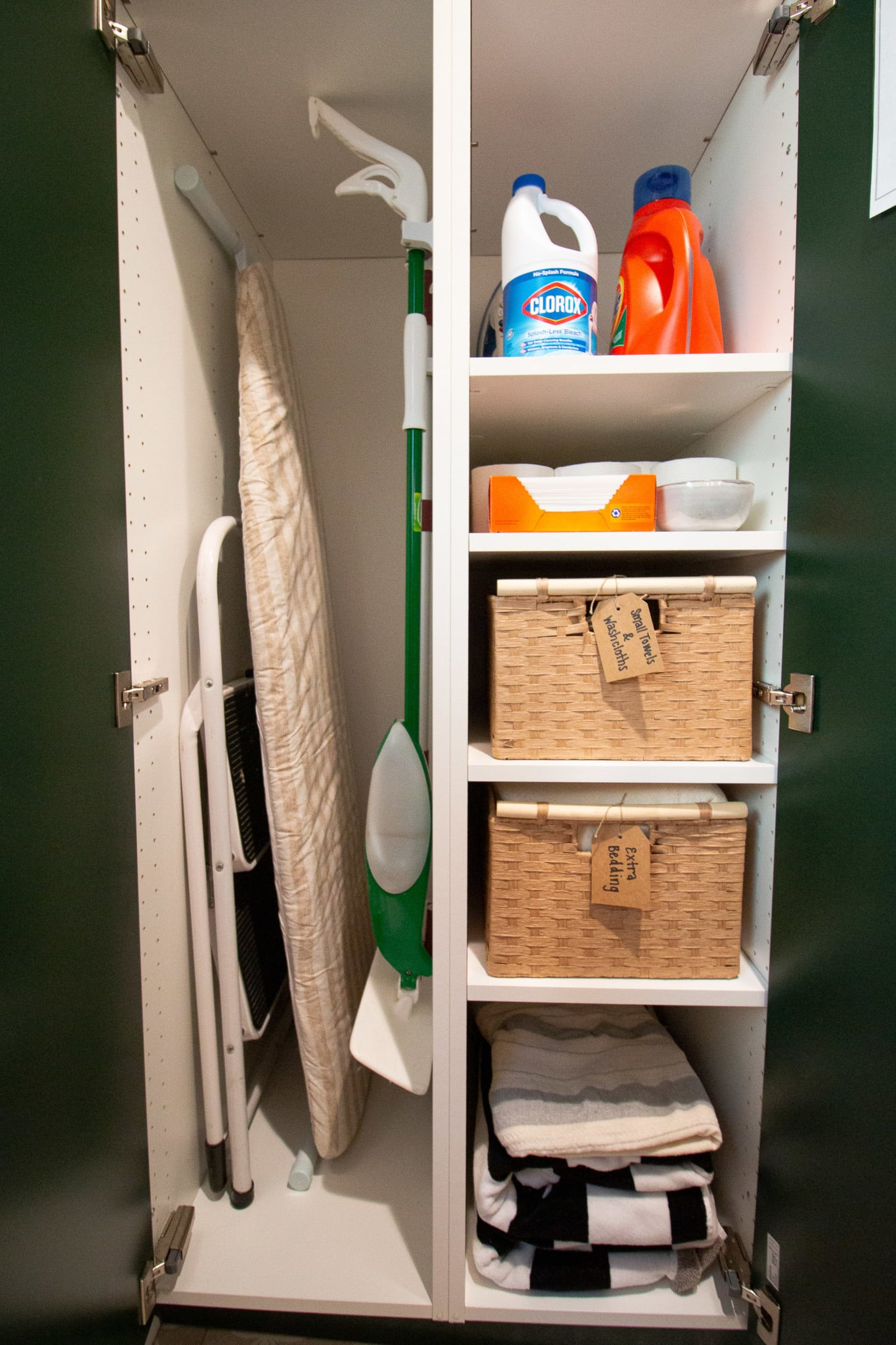 Adjustable shelves for laundry room organization