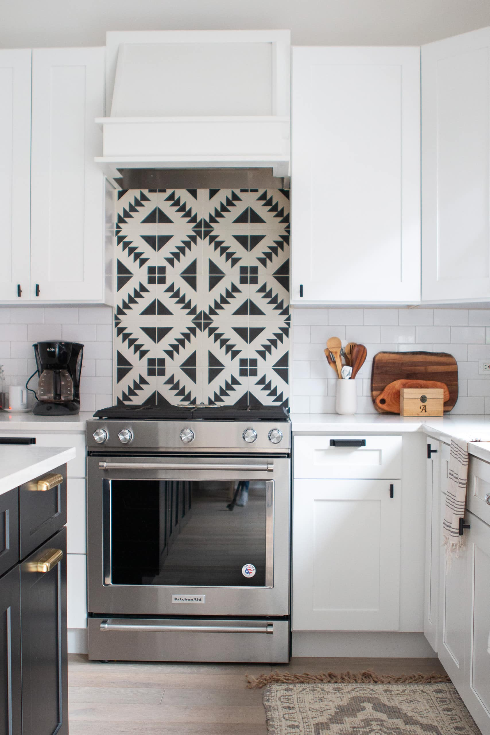 Patterned backsplash in kitchen