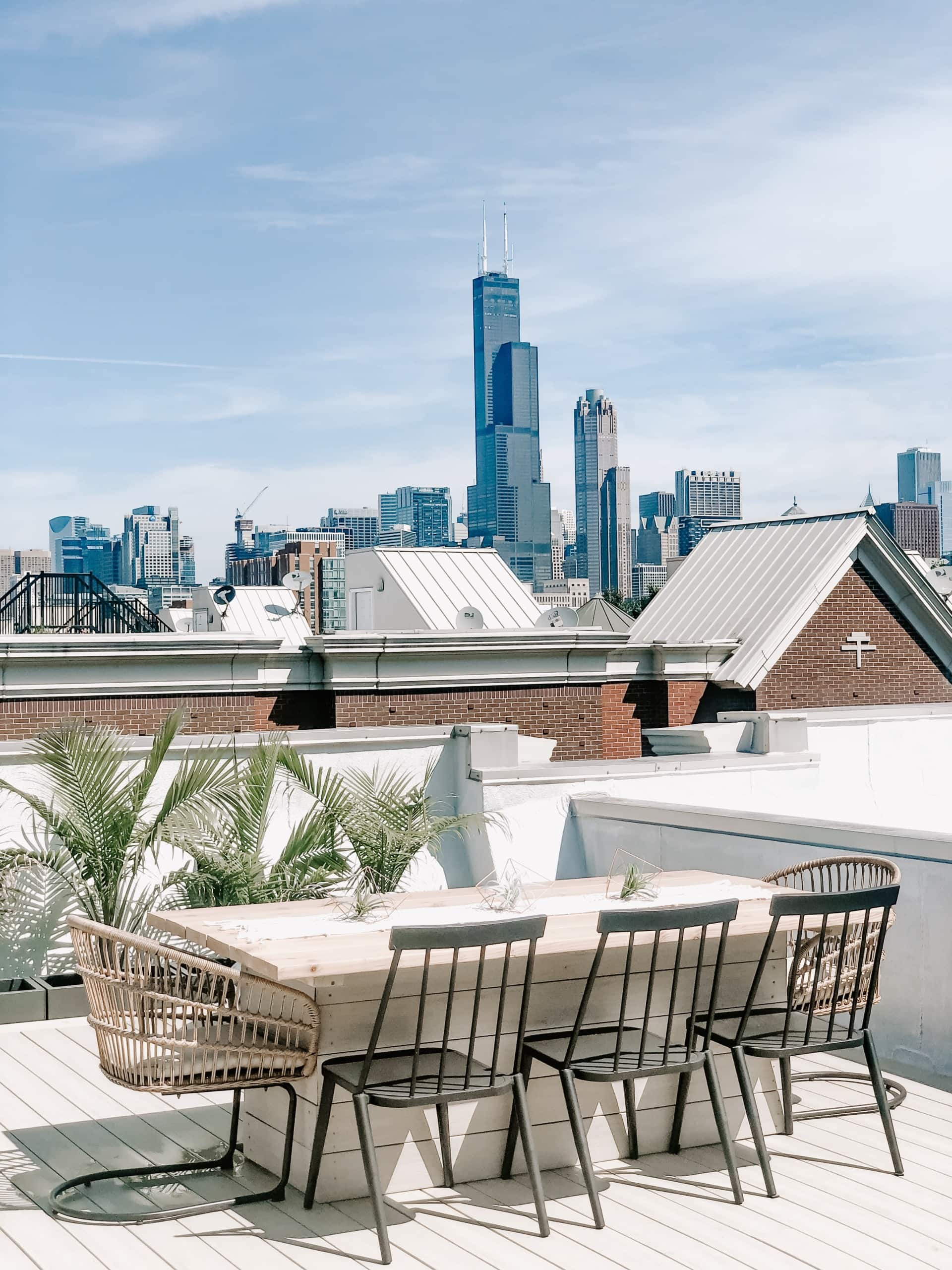 Rooftop dining table chicago