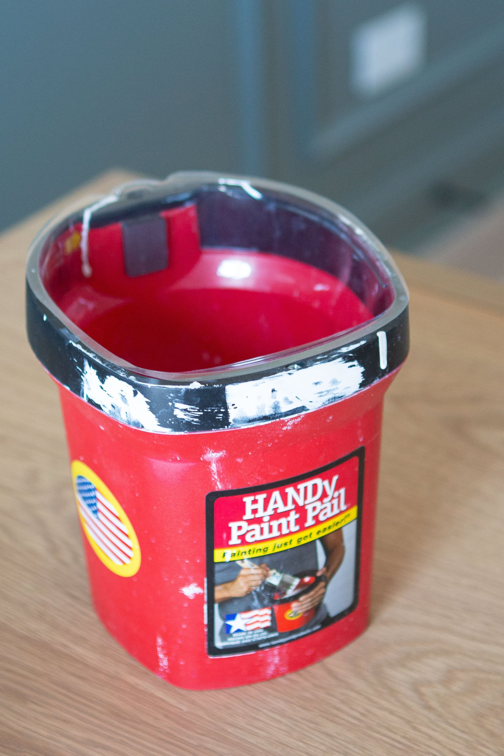 handy paint pail for painting